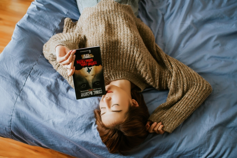 bossfight-free-high-stock-photos-woman-sleeping-book